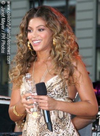 http://www.celebrityhairstylesnews.com/blackhairstyles/beyonceknowles.jpg